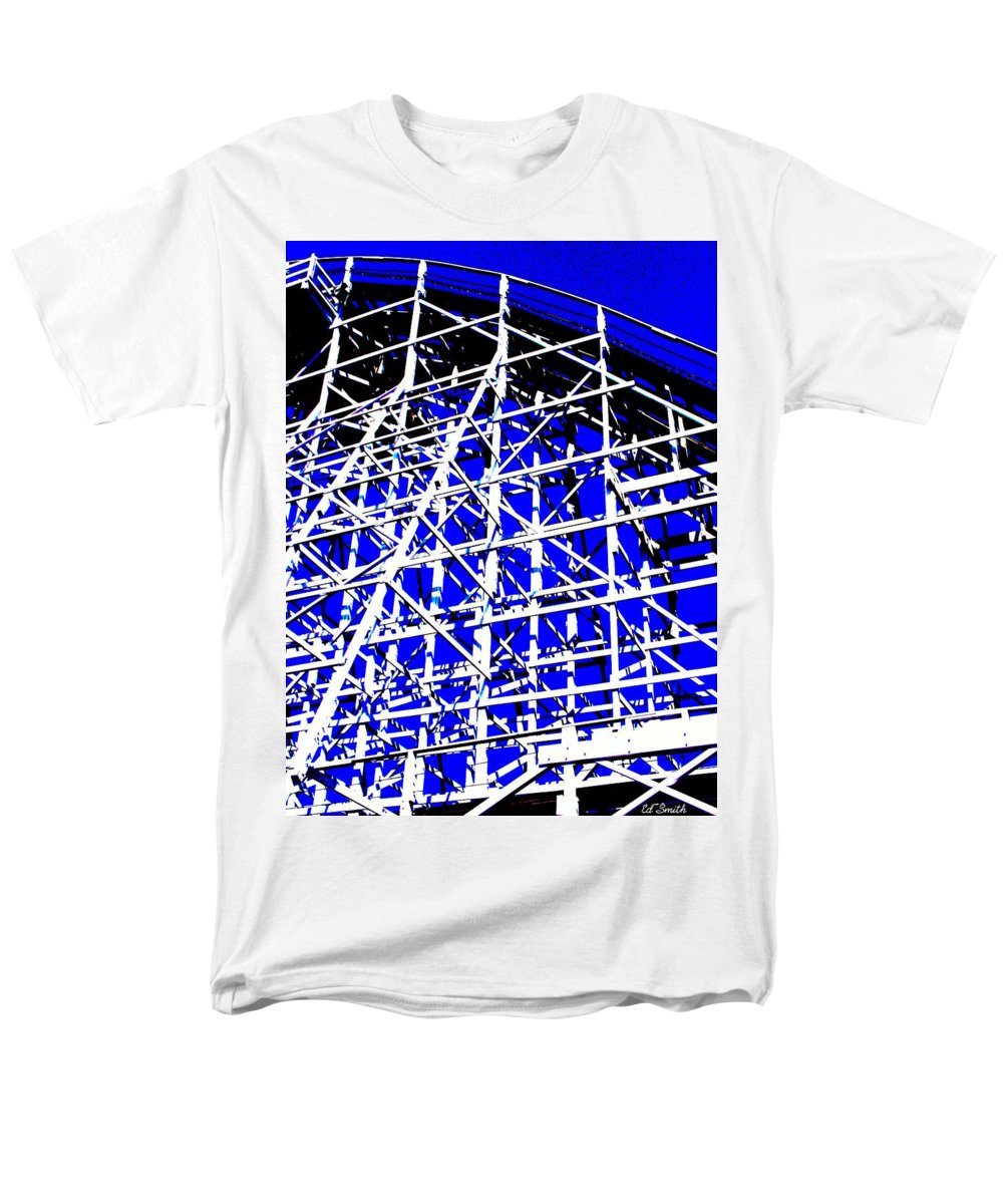 Up And Away Men's T-Shirt (Regular Fit) featuring the photograph Up And Away by Edward Smith