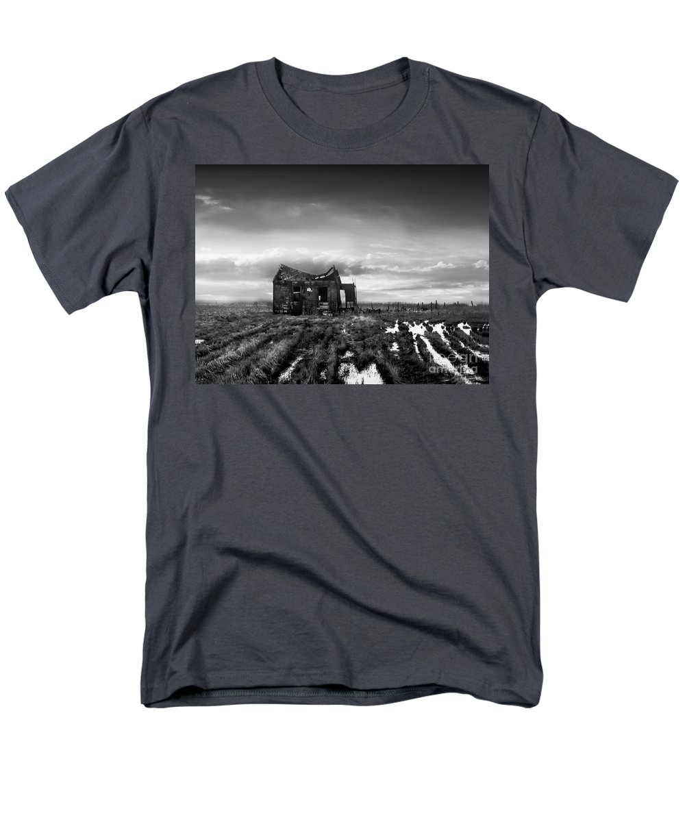 Architecture Men's T-Shirt (Regular Fit) featuring the photograph The Shack by Dana DiPasquale