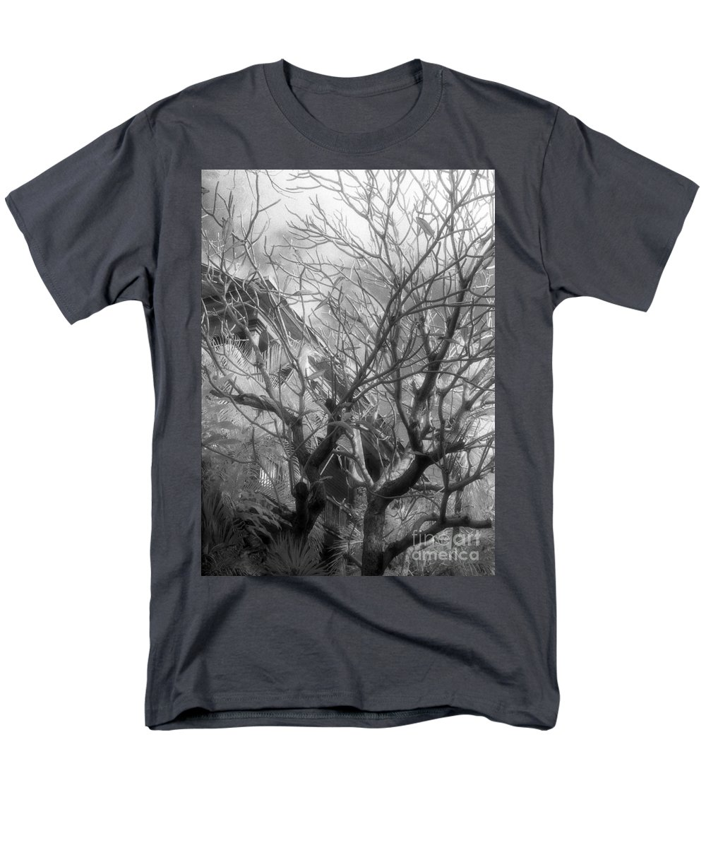 Infrared Photography Men's T-Shirt (Regular Fit) featuring the photograph Day Dream by Richard Rizzo