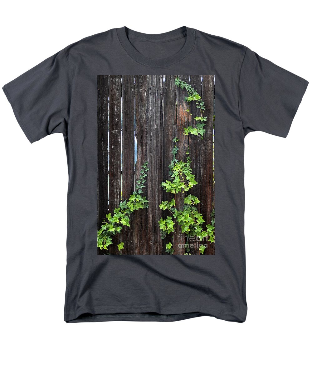 Clay Men's T-Shirt (Regular Fit) featuring the photograph Ivy on Fence by Clayton Bruster
