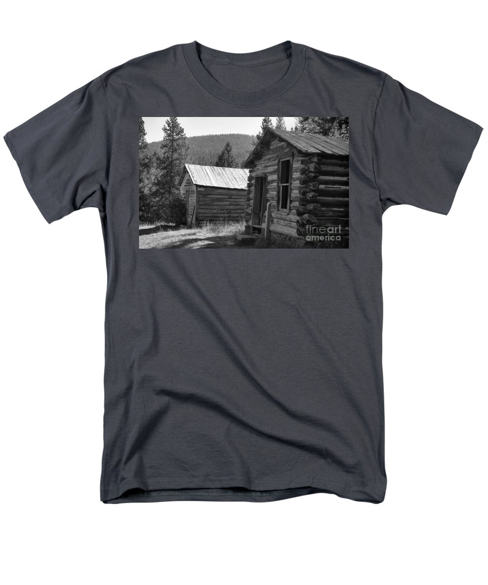 Abandoned Men's T-Shirt (Regular Fit) featuring the photograph Neighbors by Richard Rizzo