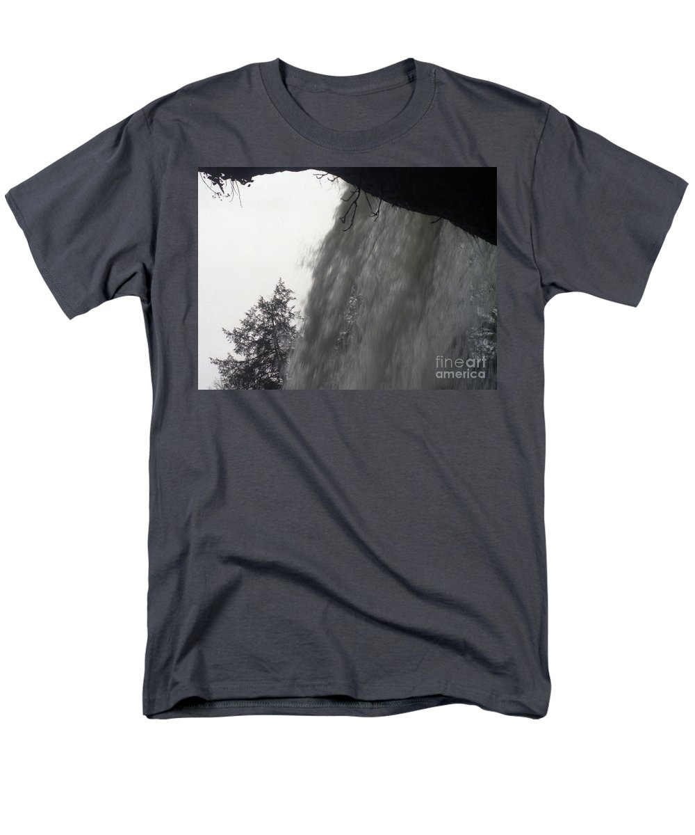 Waterfalls Men's T-Shirt (Regular Fit) featuring the photograph The Falls by Richard Rizzo