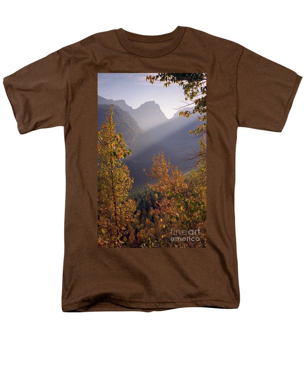 Mountains Men's T-Shirt (Regular Fit) featuring the photograph Autumn at Logan Pass by Richard Rizzo