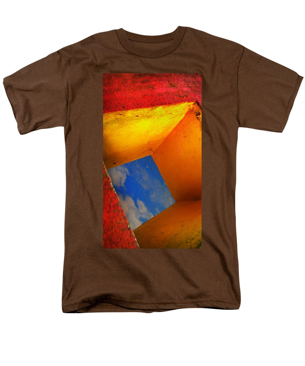 Skip Hunt Men's T-Shirt (Regular Fit) featuring the photograph Over the Rainbow by Skip Hunt