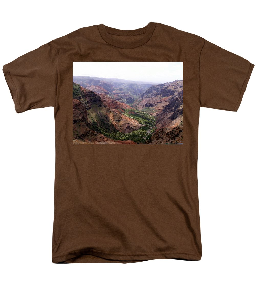 Waimea Men's T-Shirt (Regular Fit) featuring the photograph Waimea Canyon 2 by Amy Fose