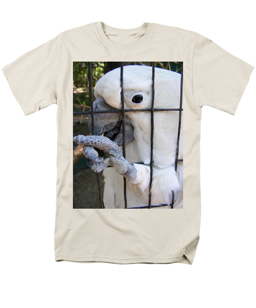 Bird Men's T-Shirt (Regular Fit) featuring the photograph Hand Me The Key Please by Edward Smith