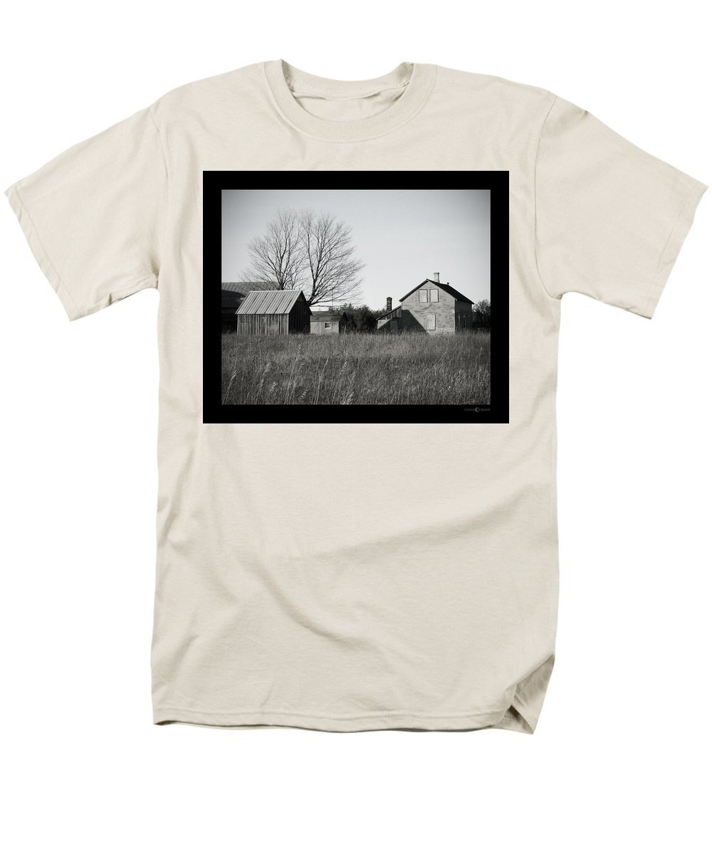 Deserted Men's T-Shirt (Regular Fit) featuring the photograph Homestead by Tim Nyberg