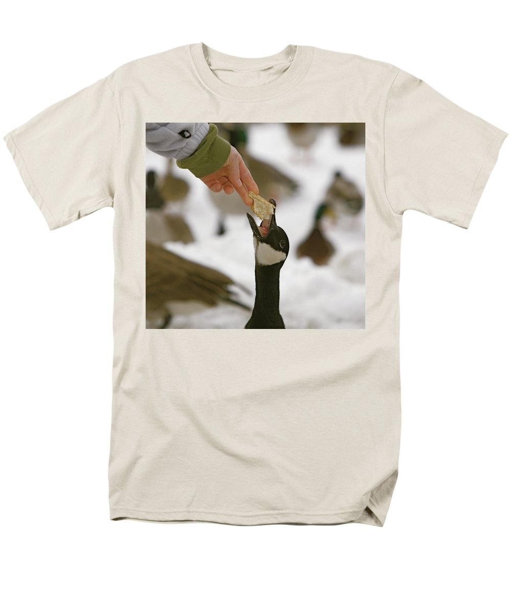 Birds Men's T-Shirt (Regular Fit) featuring the photograph Sticking my neck out by Robert Pearson