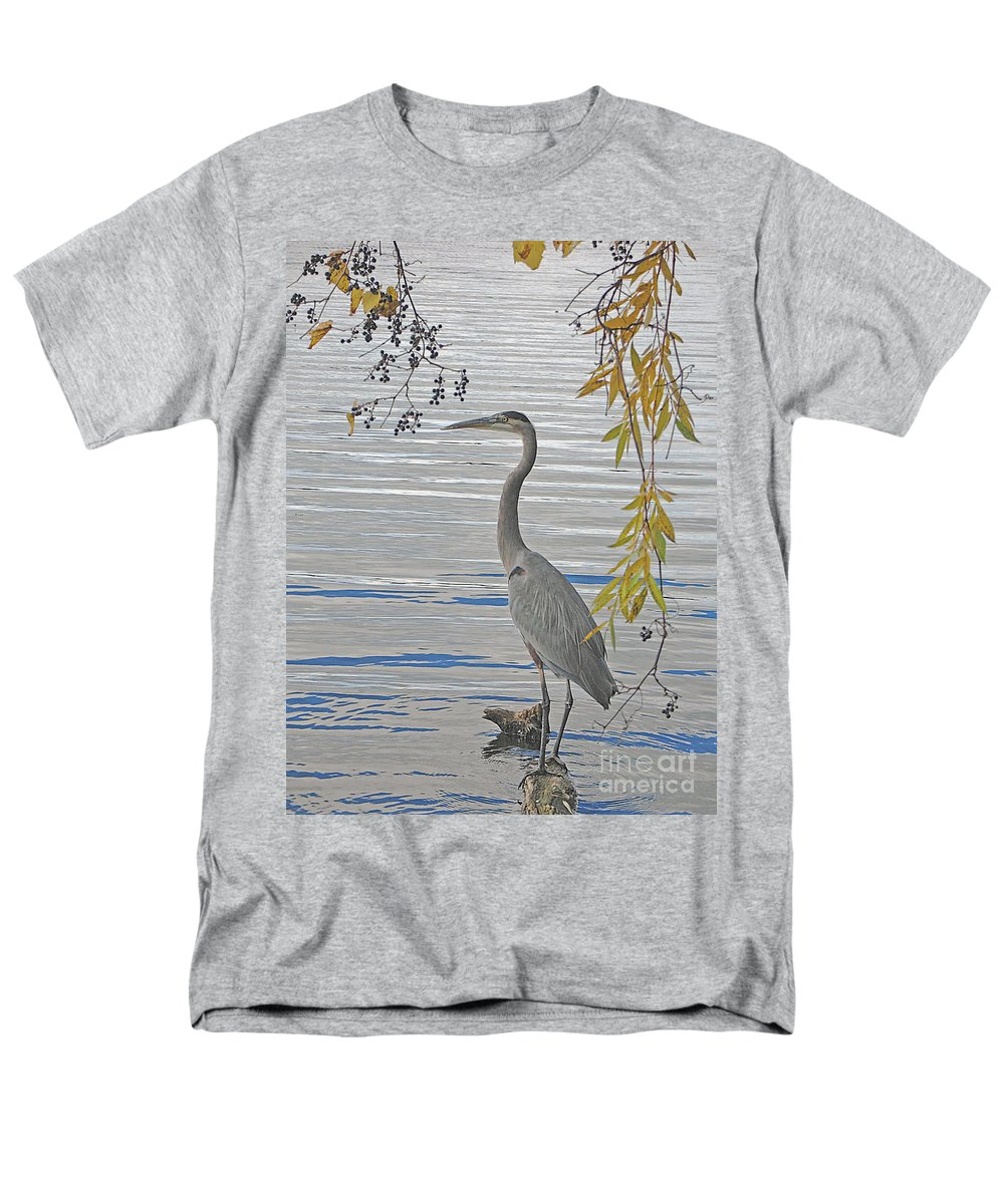 Heron Men's T-Shirt (Regular Fit) featuring the photograph Great Blue Heron by Ann Horn