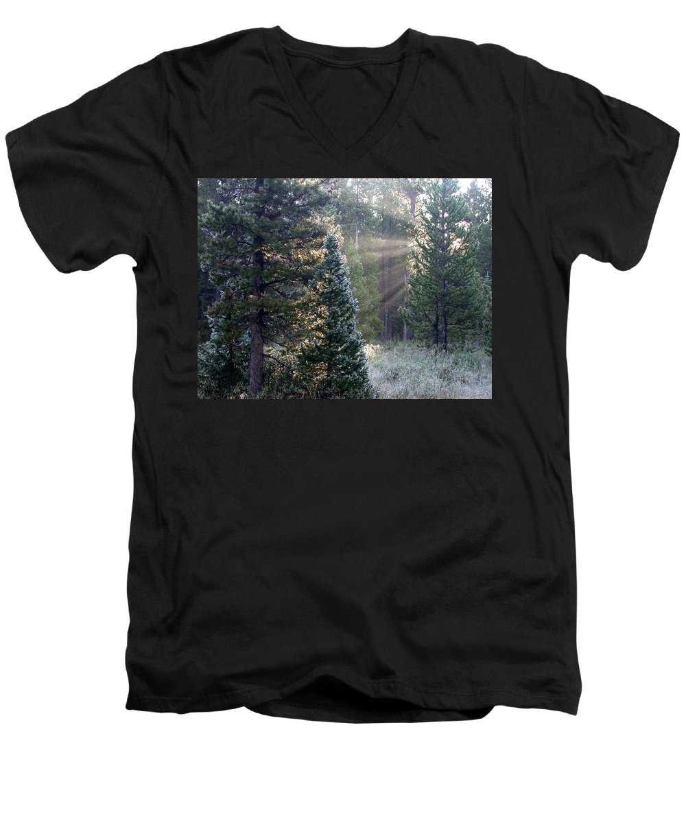 Sunrays Men's V-Neck T-Shirt featuring the photograph Morning Rays by Shane Bechler