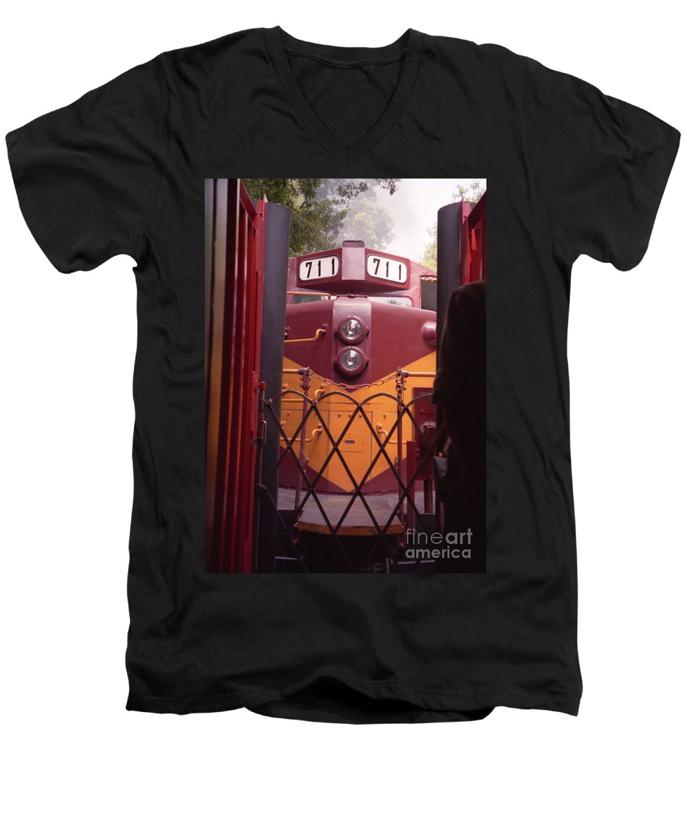 Trains Men's V-Neck T-Shirt featuring the photograph Big Red by Richard Rizzo
