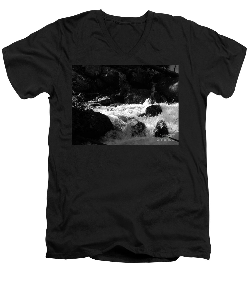 Rivers Men's V-Neck T-Shirt featuring the photograph Into The Light by Amanda Barcon