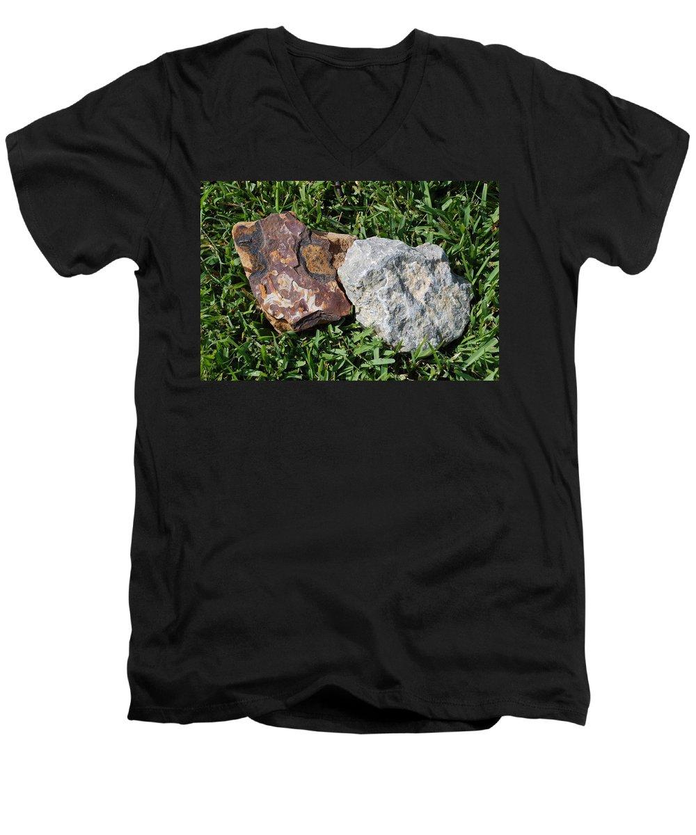 Kentucky Men's V-Neck T-Shirt featuring the photograph Kentucky Meets New Mexico In Florida by Rob Hans