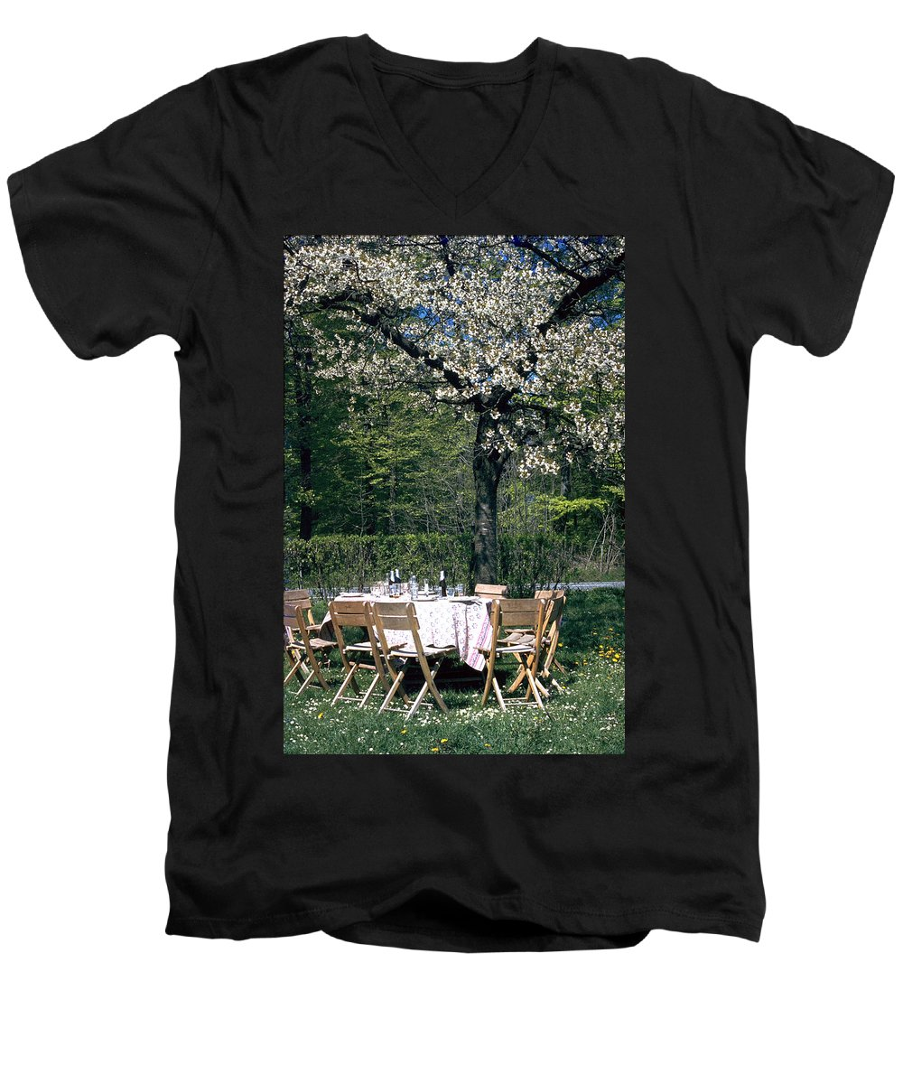 Lunch Men's V-Neck T-Shirt featuring the photograph Lunch by Flavia Westerwelle