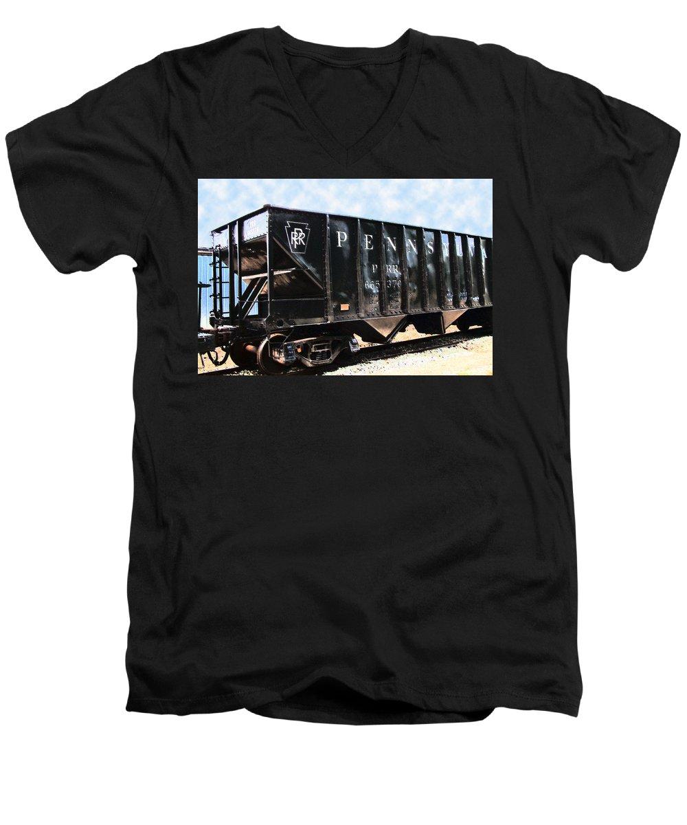 Trains Men's V-Neck T-Shirt featuring the photograph Pennsylvania Hopper by RC DeWinter