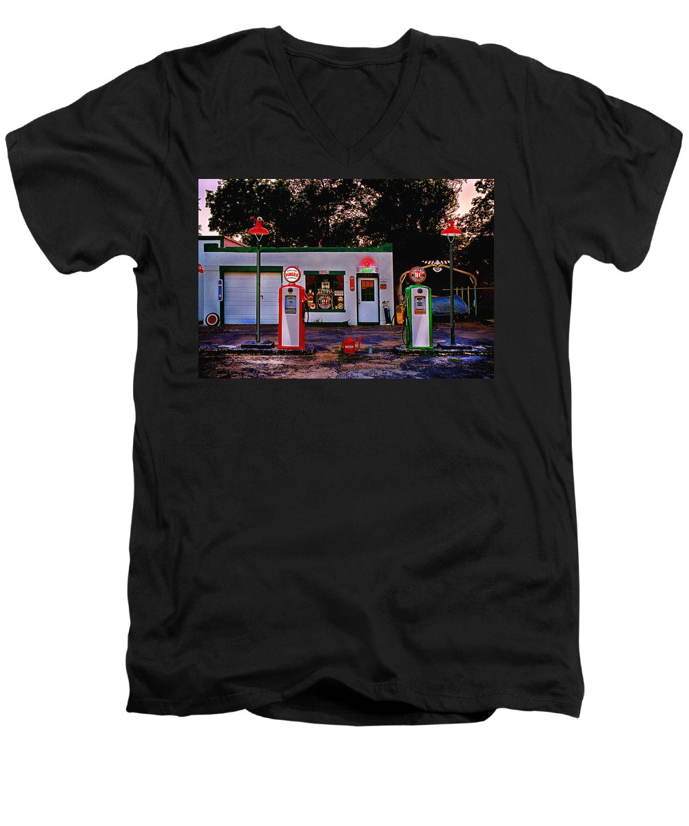 Gas Station Men's V-Neck T-Shirt featuring the photograph Sinclair by Steve Karol
