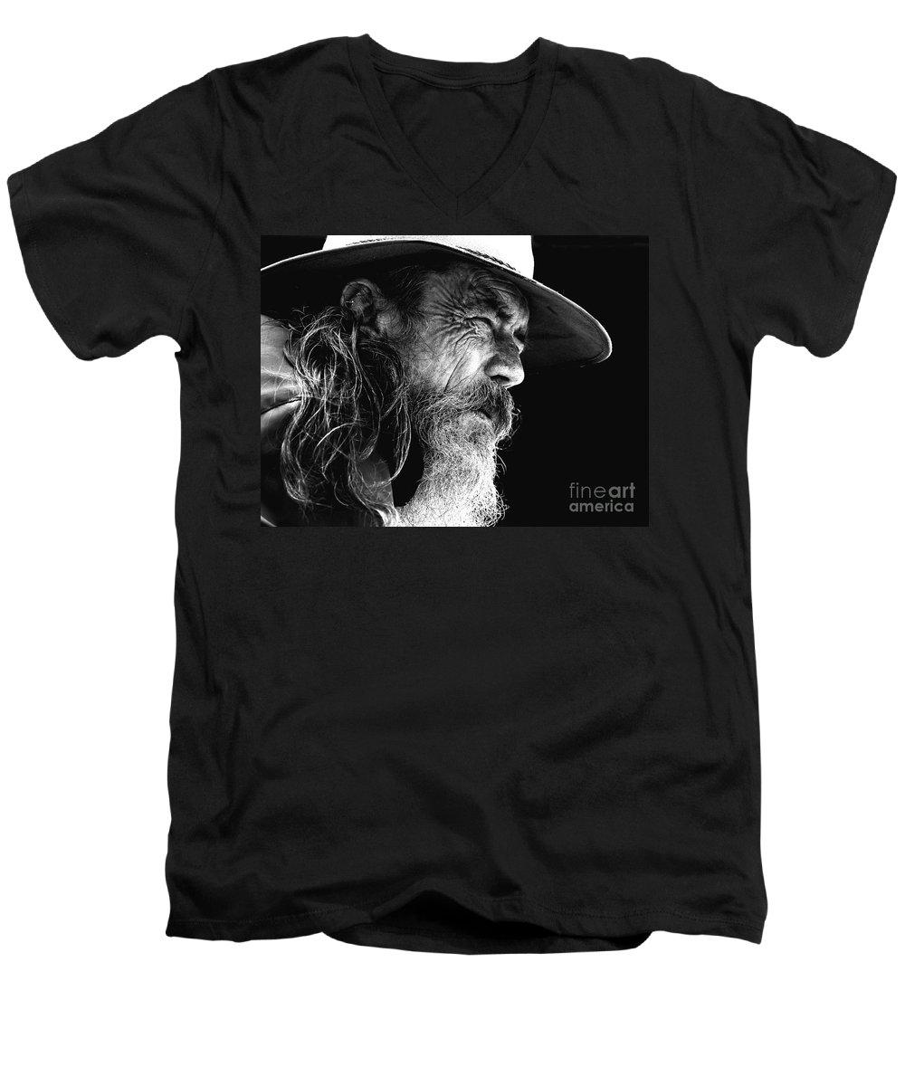 Australian Bushman Hat Men's V-Neck T-Shirt featuring the photograph The Bushman by Sheila Smart Fine Art Photography