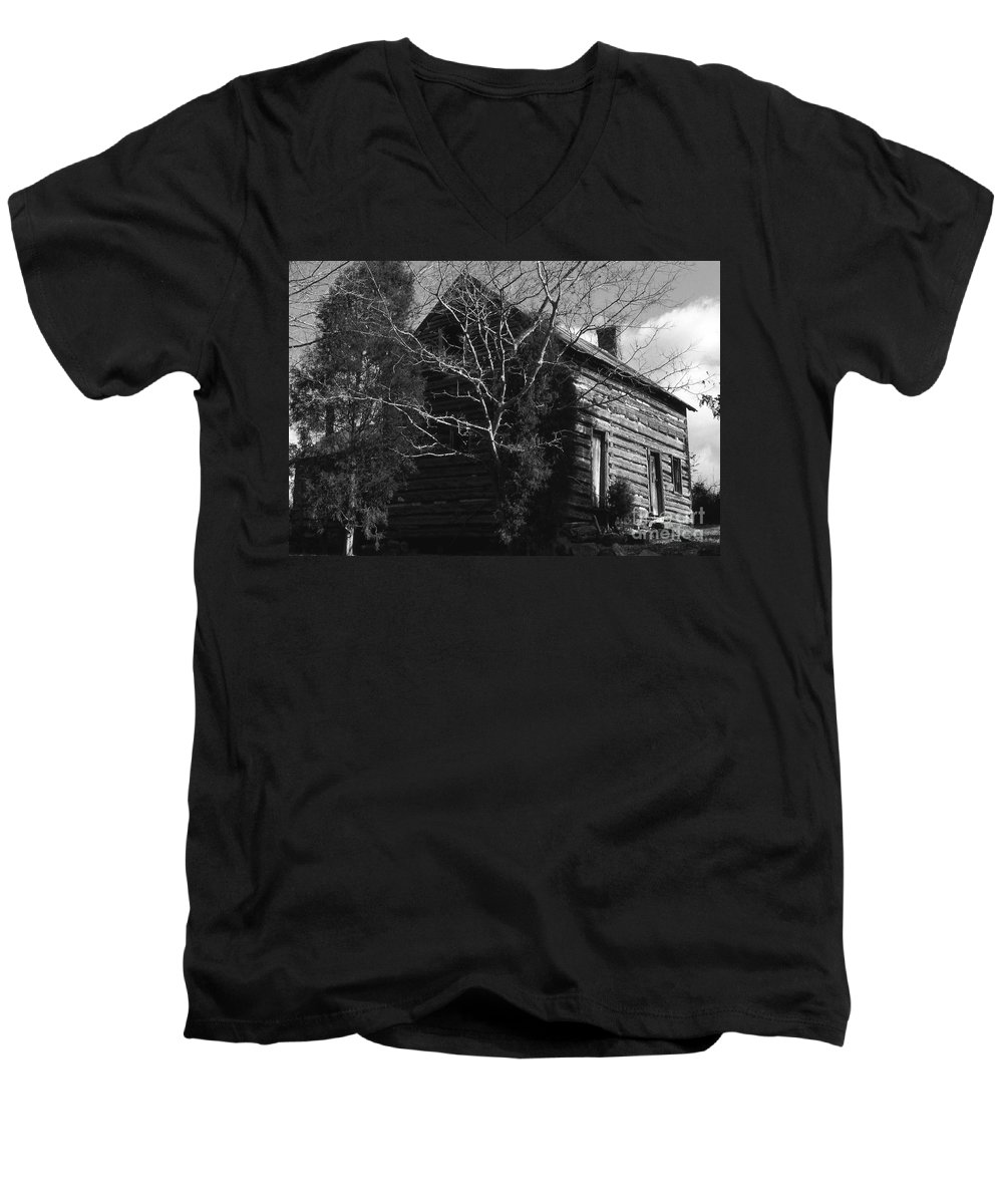 Cabins Men's V-Neck T-Shirt featuring the photograph The Homestead by Richard Rizzo