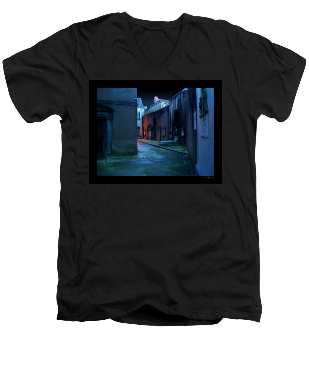 Waterford Men's V-Neck T-Shirt featuring the photograph Waterford Alley by Tim Nyberg