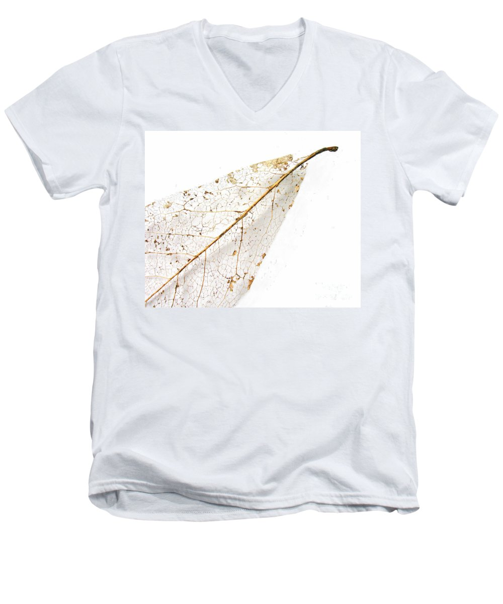 Leaf Men's V-Neck T-Shirt featuring the photograph Remnant Leaf by Ann Horn