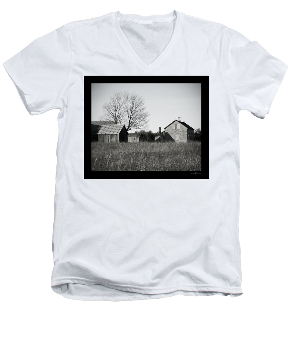 Deserted Men's V-Neck T-Shirt featuring the photograph Homestead by Tim Nyberg