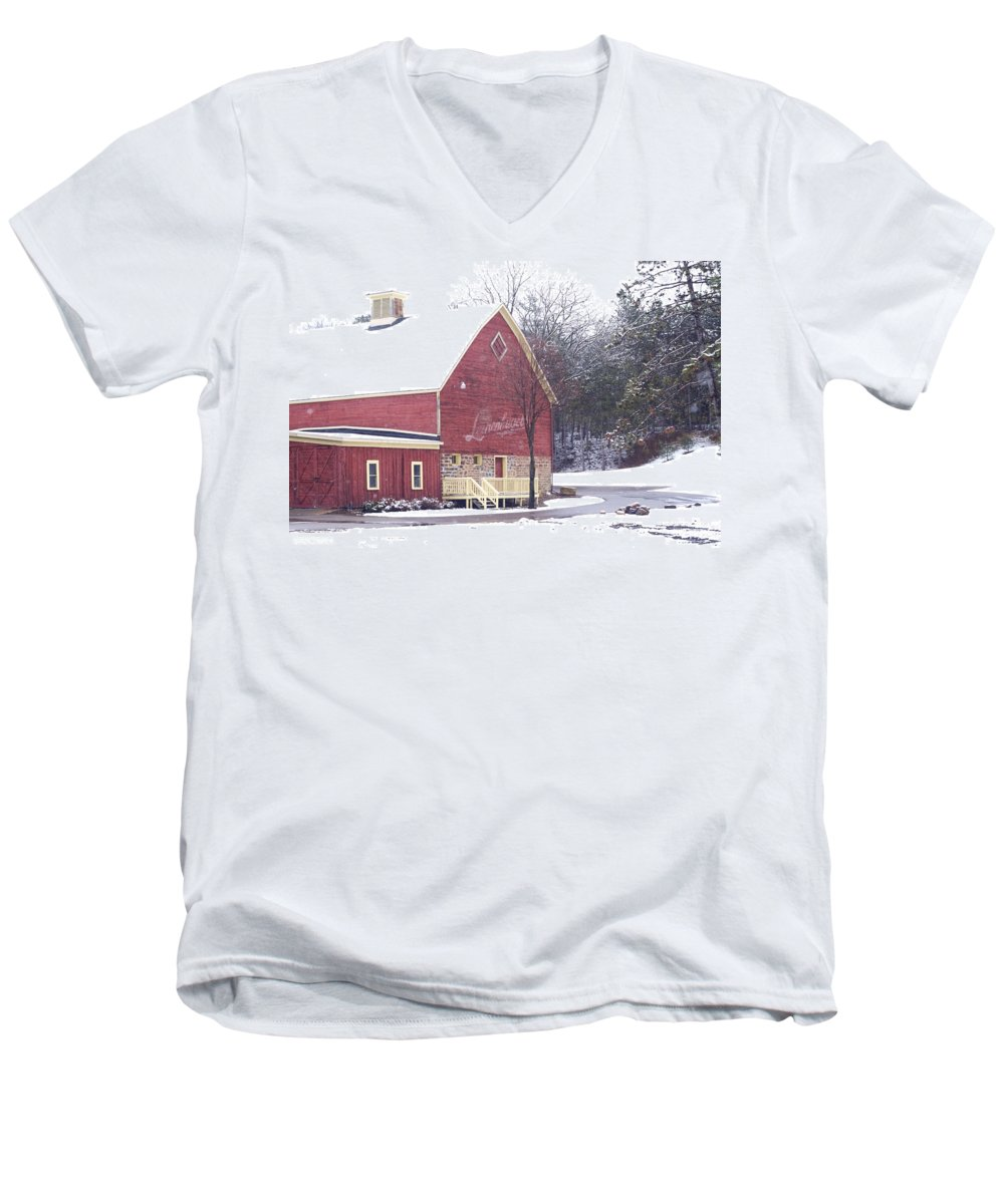 Barn Men's V-Neck T-Shirt featuring the photograph Leinie by Tim Nyberg