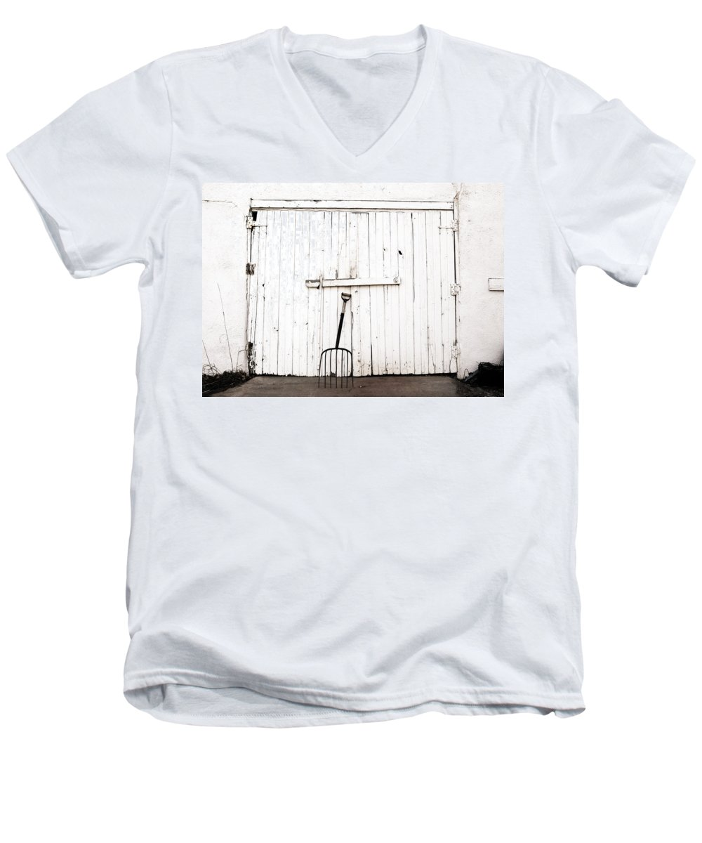 Americana Men's V-Neck T-Shirt featuring the photograph Pitch Fork by Marilyn Hunt
