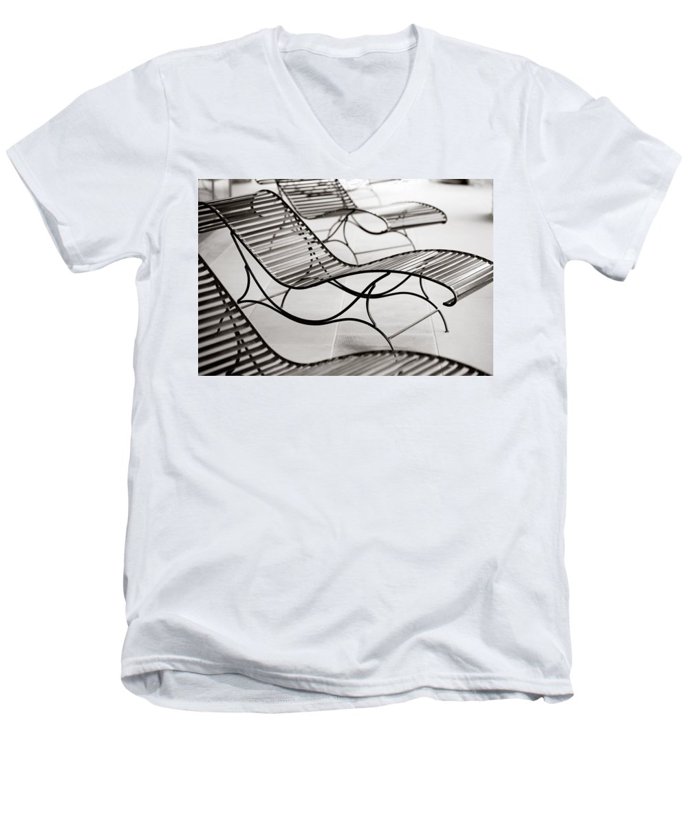 Chair Men's V-Neck T-Shirt featuring the photograph Relaxation by Marilyn Hunt