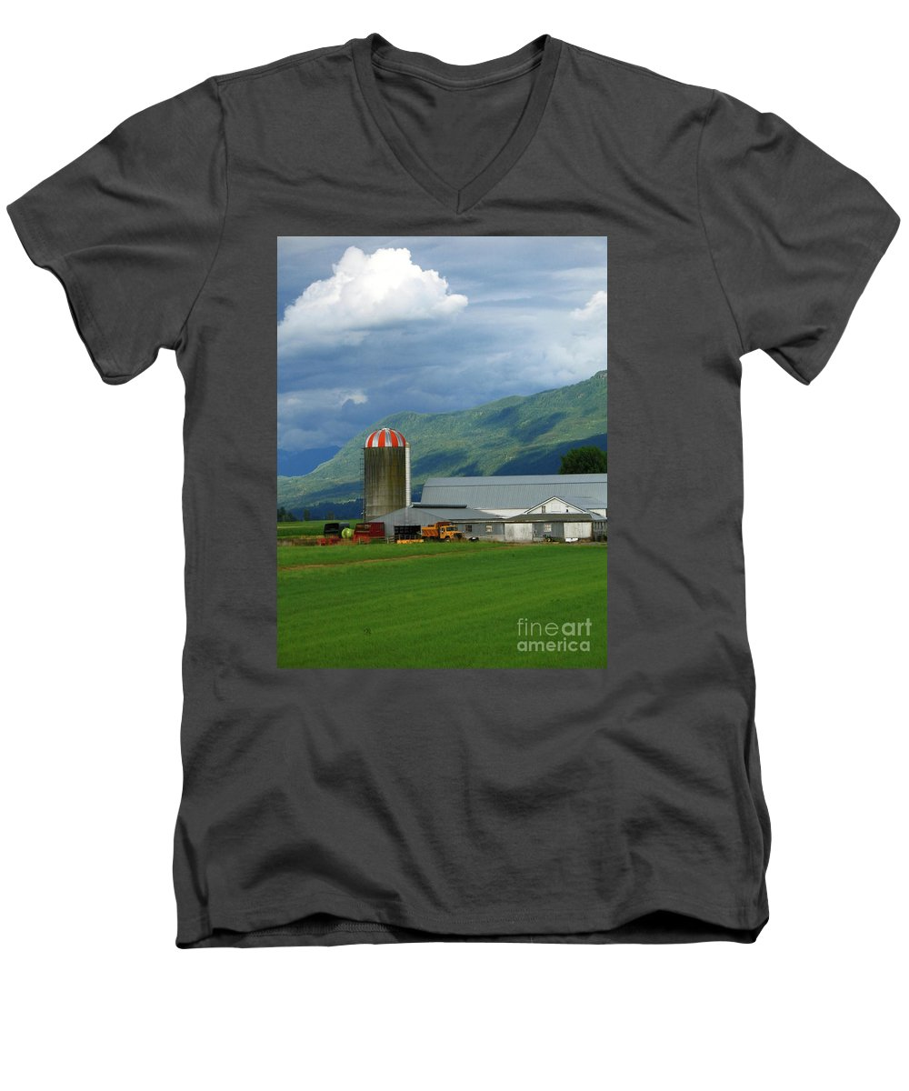 Farm Men's V-Neck T-Shirt featuring the photograph Farm In The Valley by Ann Horn