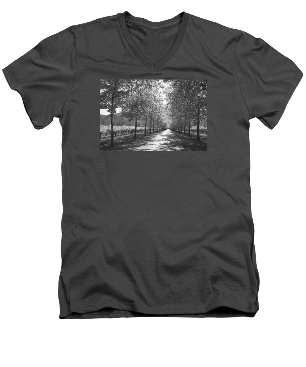 Black And White Men's V-Neck T-Shirt featuring the photograph Wine Country Napa Black And White by Suzanne Gaff