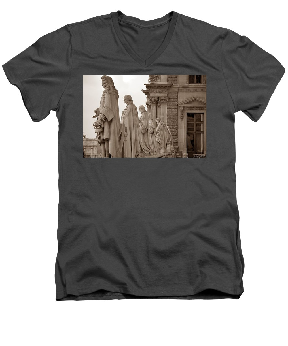 Paris Men's V-Neck T-Shirt featuring the photograph Art Observing Life by J Todd