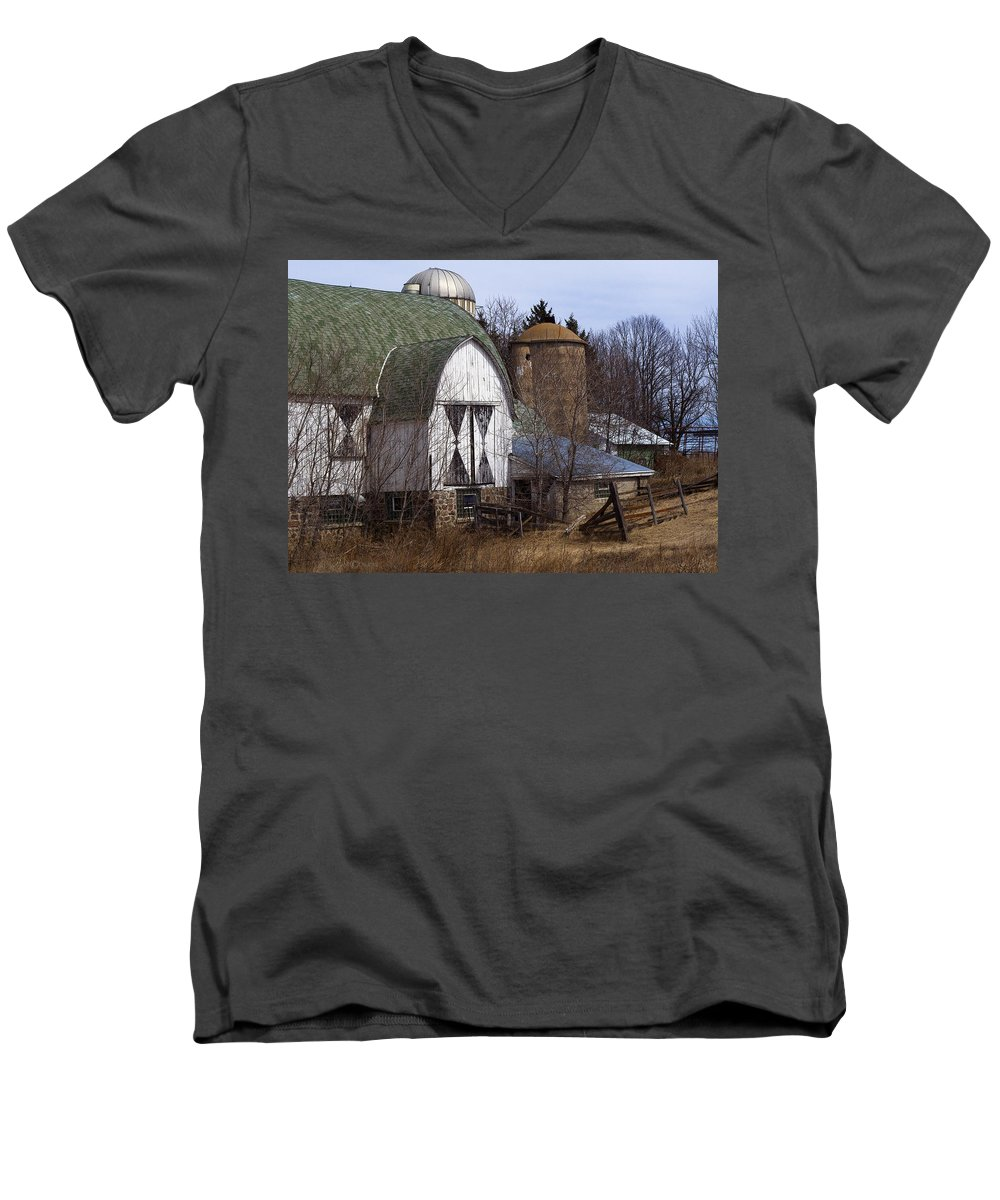 Barn Men's V-Neck T-Shirt featuring the photograph Barn On 29 by Tim Nyberg