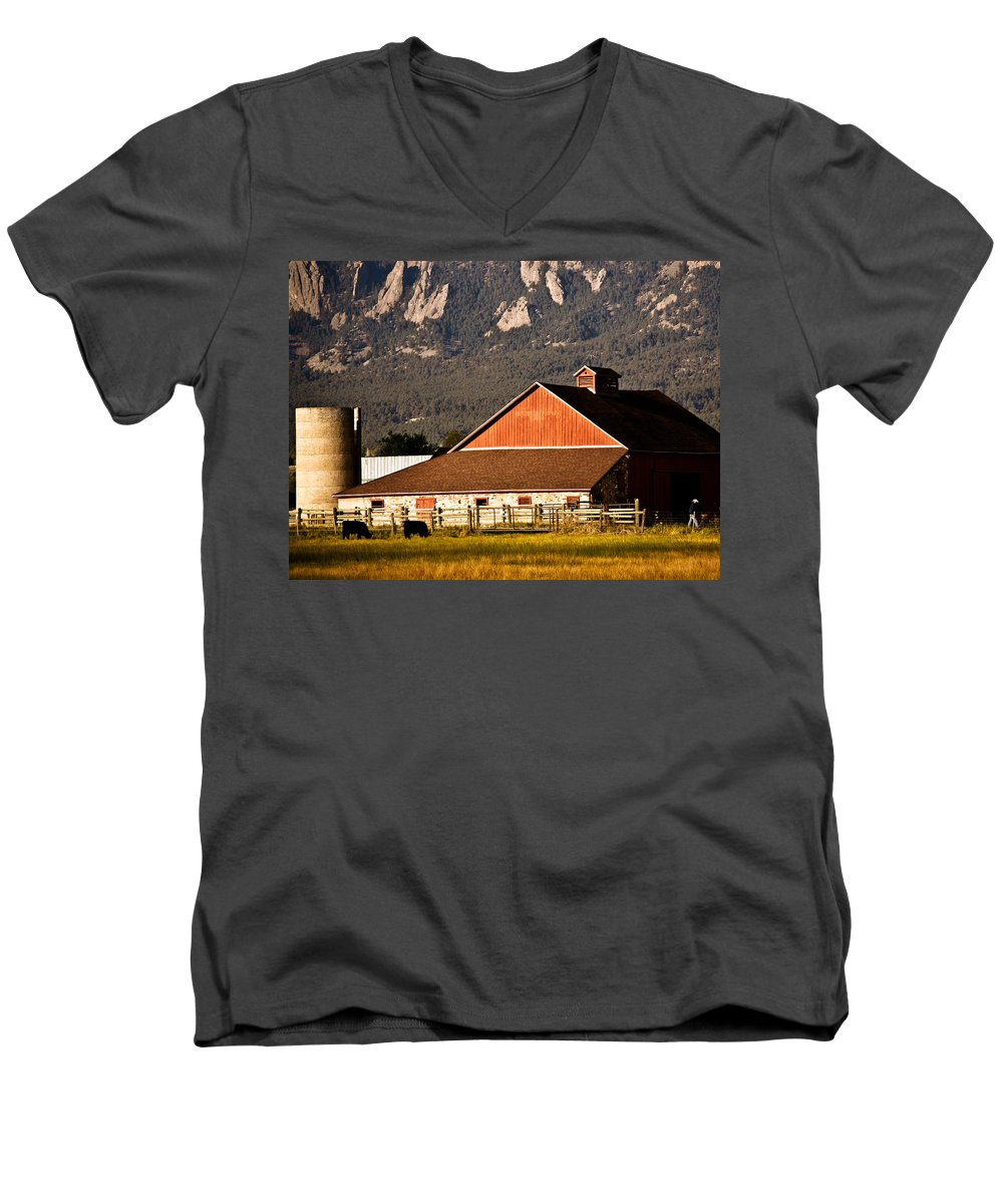 Americana Men's V-Neck T-Shirt featuring the photograph Country Living Boulder County by Marilyn Hunt