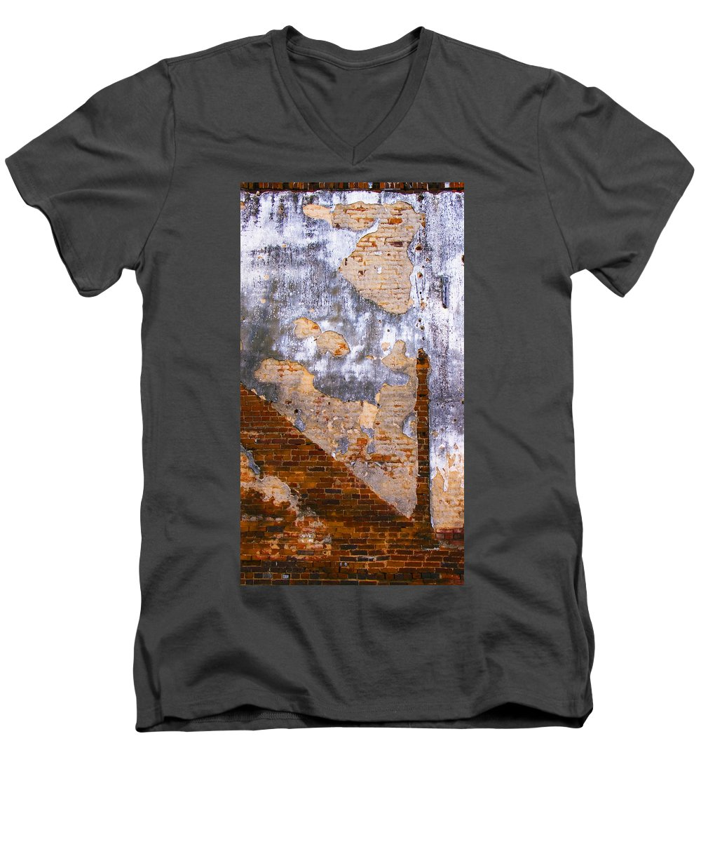 Architecture Men's V-Neck T-Shirt featuring the photograph Finger Food by Skip Hunt