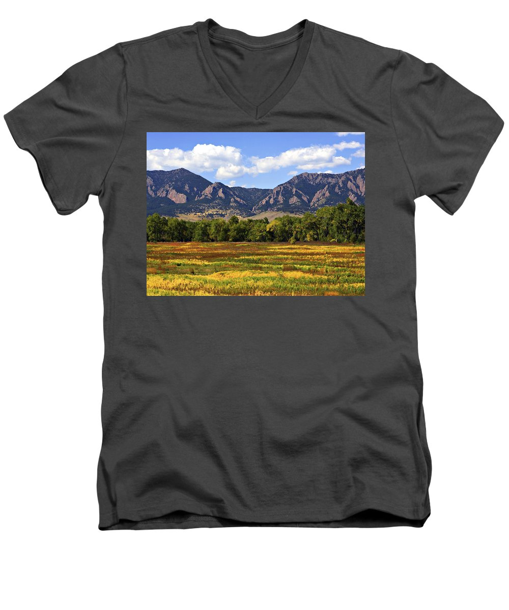 Fall Men's V-Neck T-Shirt featuring the photograph Foothills Of Colorado by Marilyn Hunt