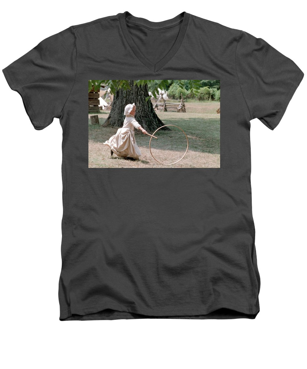 Hoop Men's V-Neck T-Shirt featuring the photograph Hoop by Flavia Westerwelle