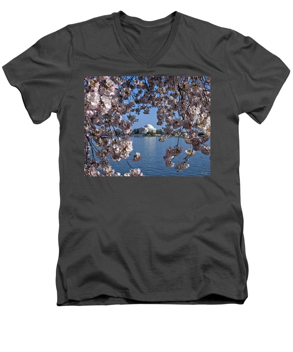 Jefferson Memorial V-Neck T-Shirts