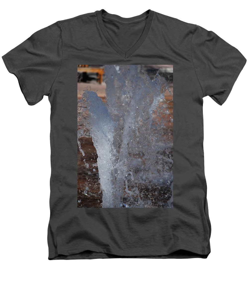 Water Men's V-Neck T-Shirt featuring the photograph Splash by Rob Hans