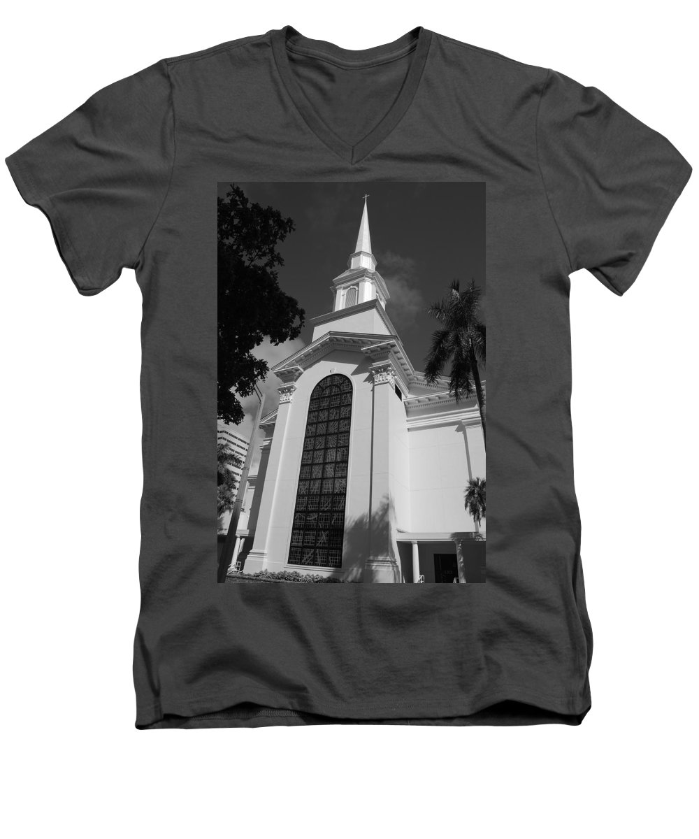 Architecture Men's V-Neck T-Shirt featuring the photograph Thats Church by Rob Hans