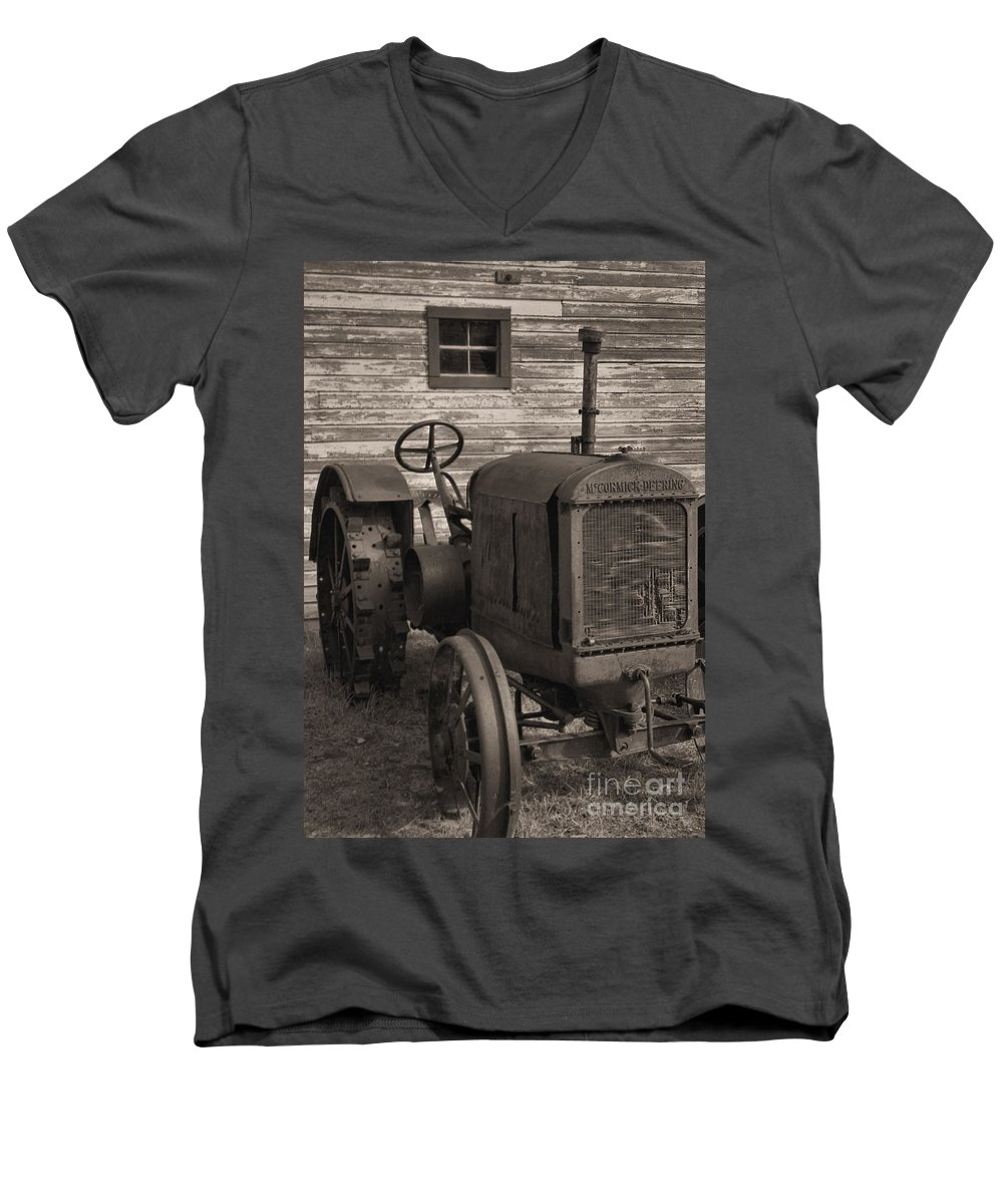 Abandoned Men's V-Neck T-Shirt featuring the photograph The Old Mule by Richard Rizzo