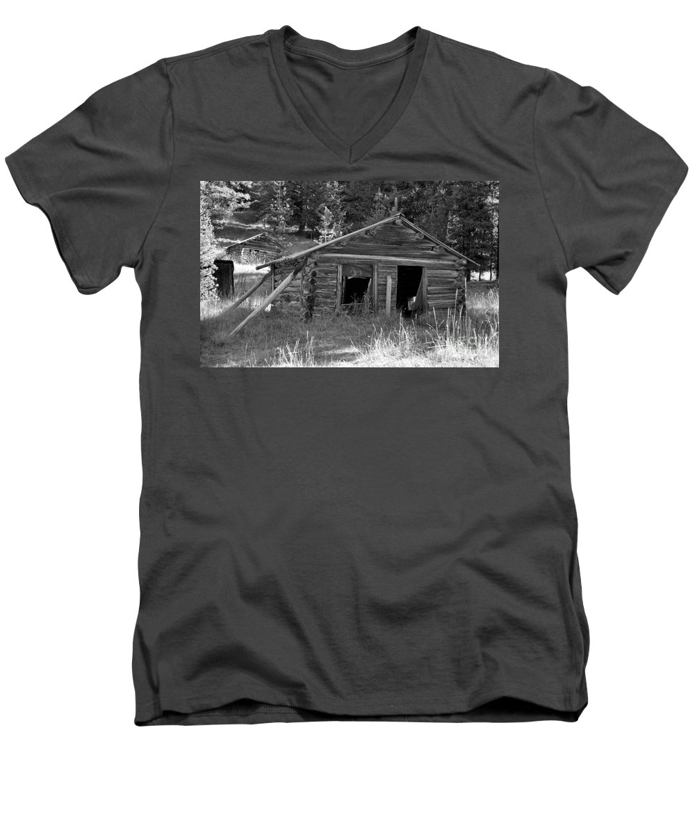 Abandoned Men's V-Neck T-Shirt featuring the photograph Two Cabins One Outhouse by Richard Rizzo