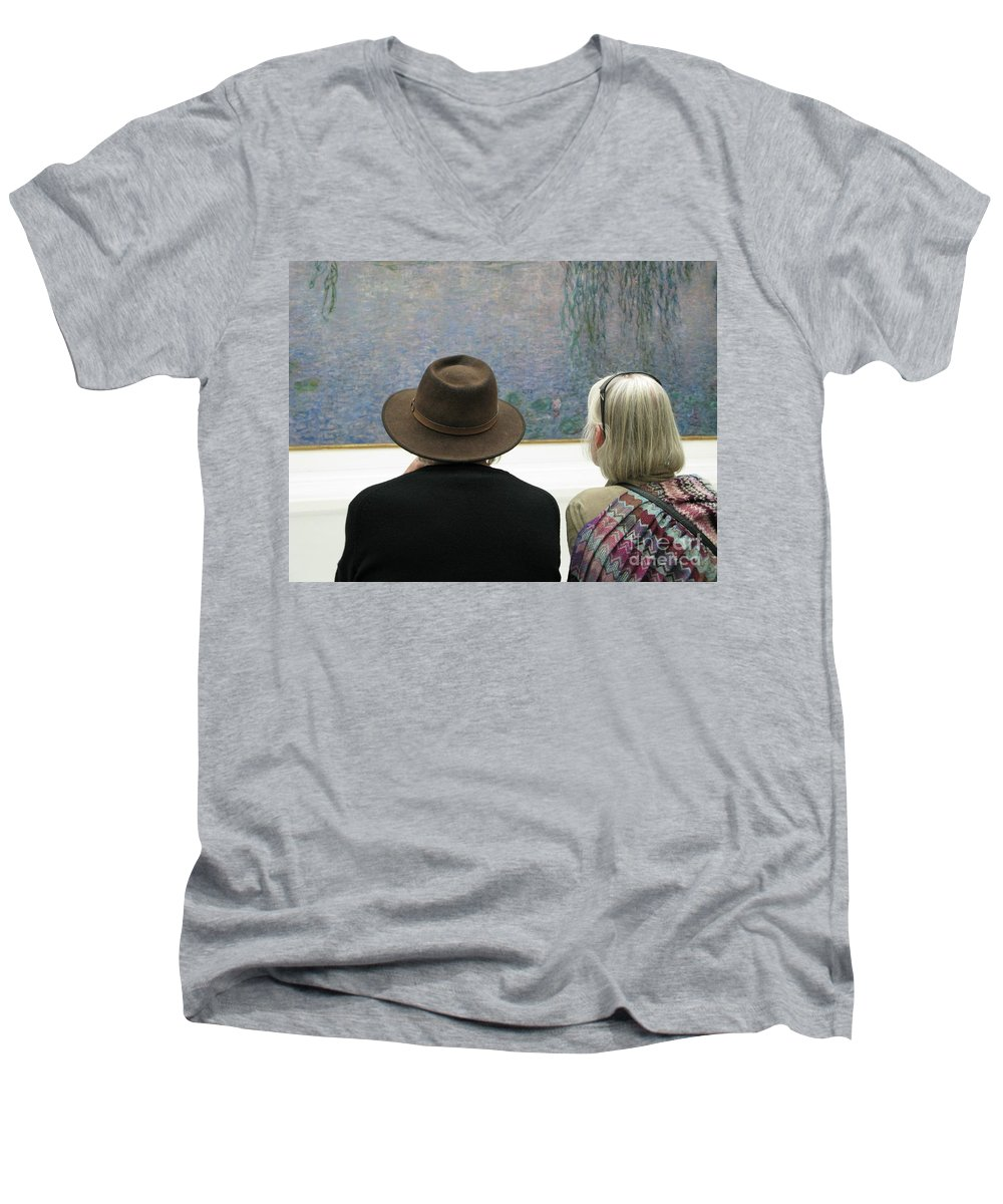 People Men's V-Neck T-Shirt featuring the photograph Contemplating Art by Ann Horn