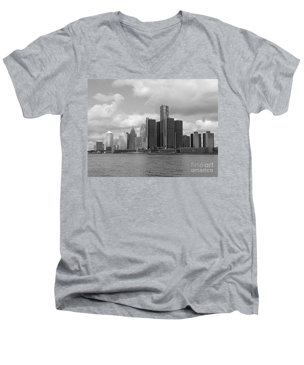 Detroit Men's V-Neck T-Shirt featuring the photograph Detroit Skyscape by Ann Horn