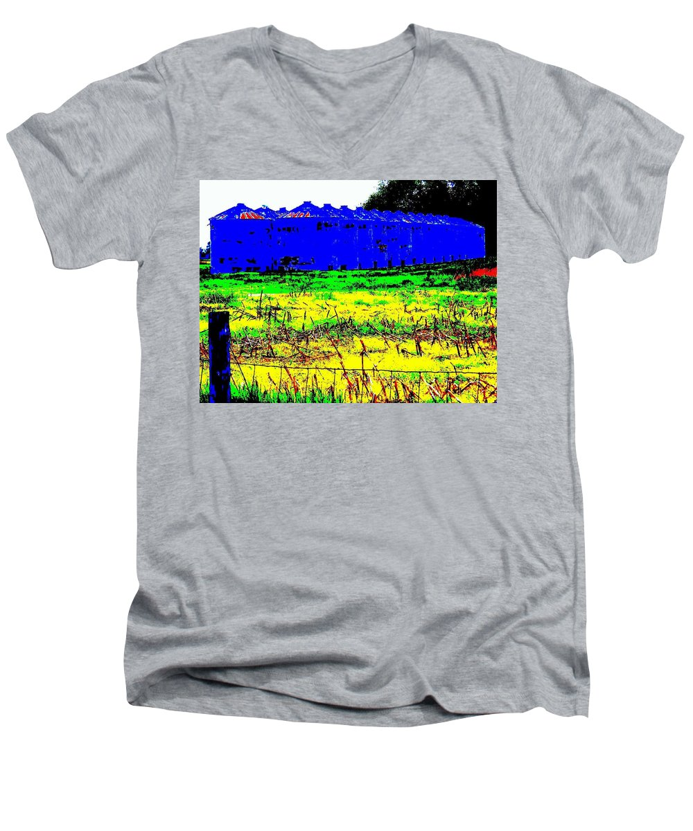 Landscape Men's V-Neck T-Shirt featuring the photograph Andys Farm by Ed Smith