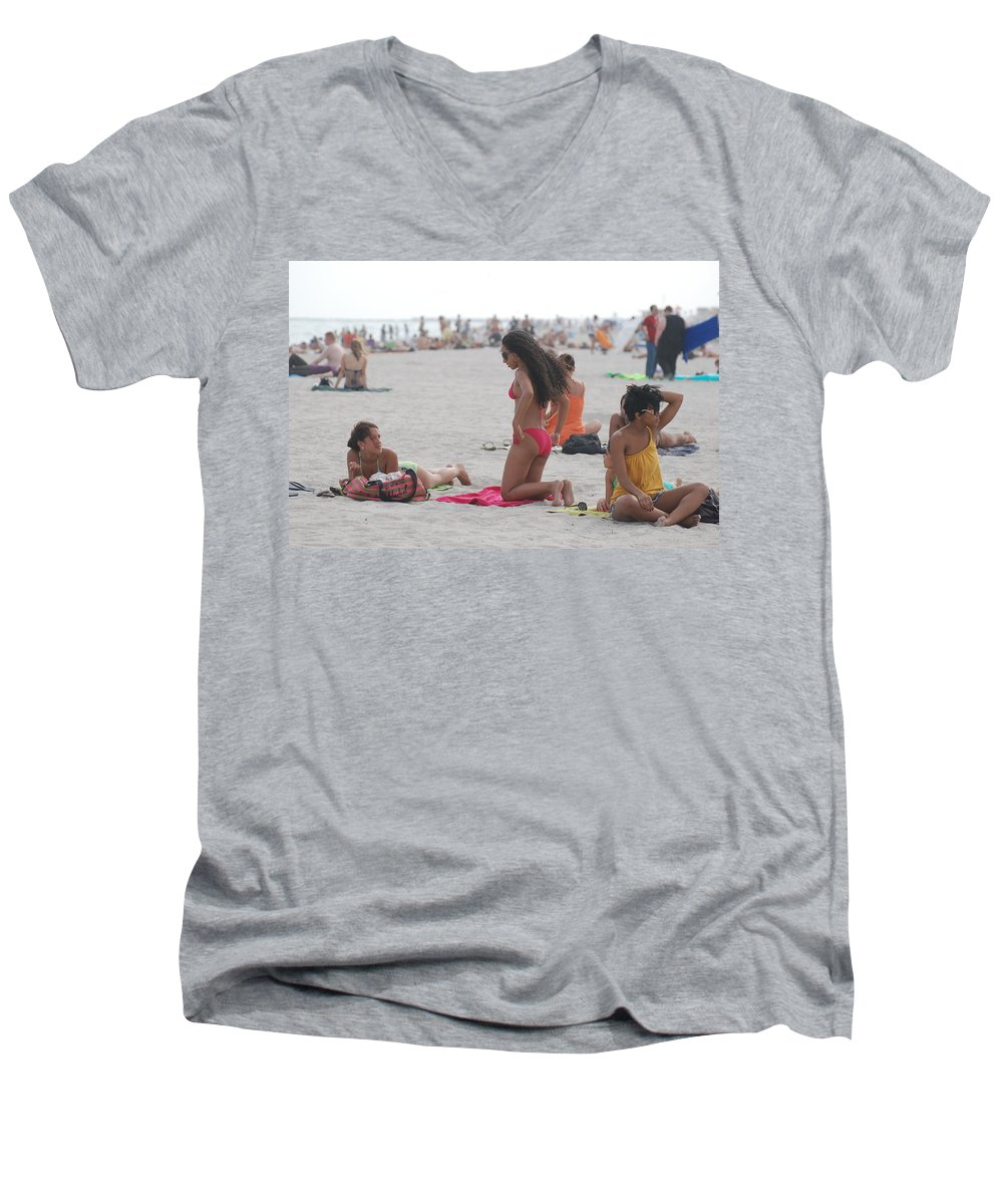 Girls Men's V-Neck T-Shirt featuring the photograph At The Beach by Rob Hans