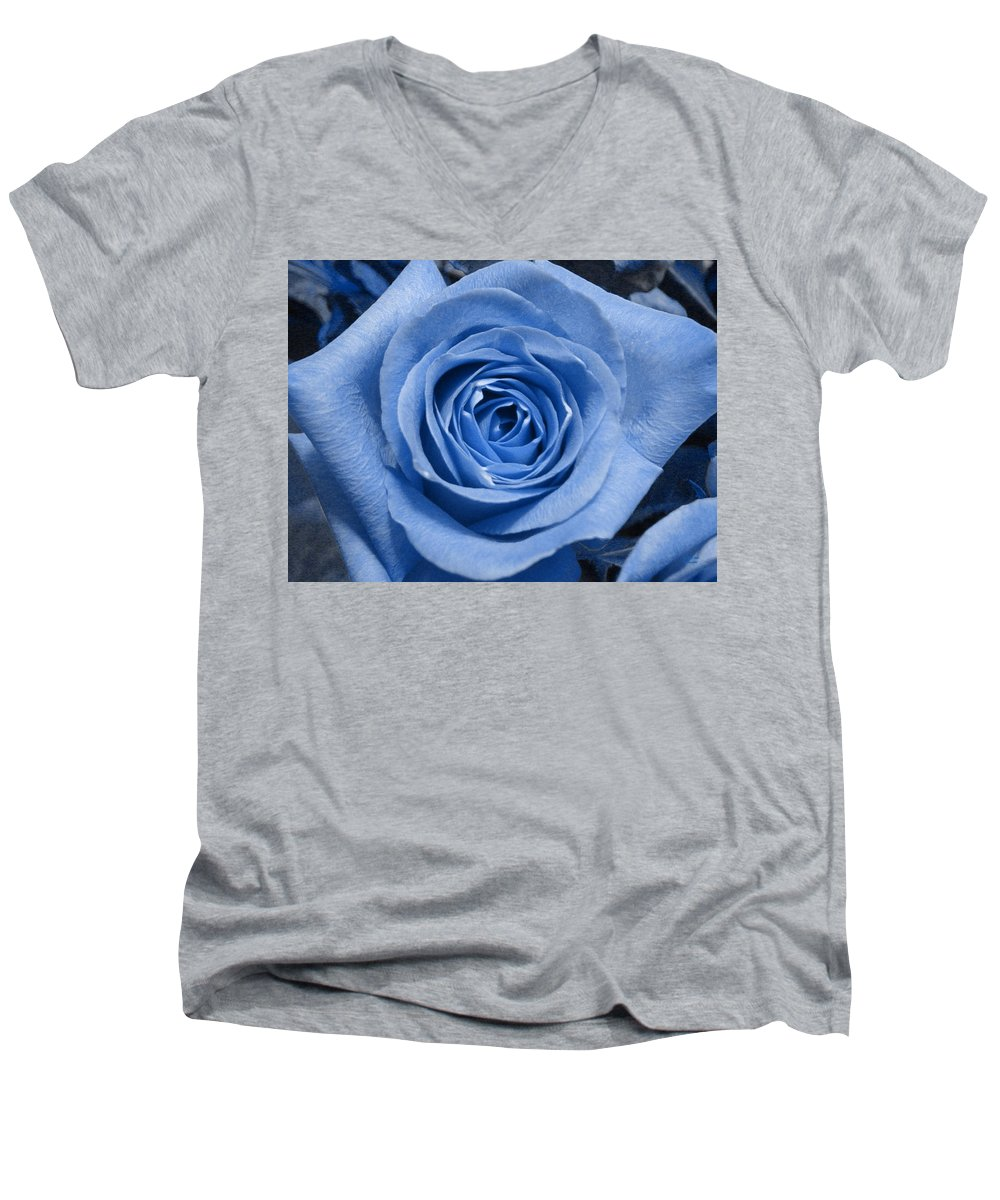 Rose Men's V-Neck T-Shirt featuring the photograph Eye Wide Open by Shelley Jones