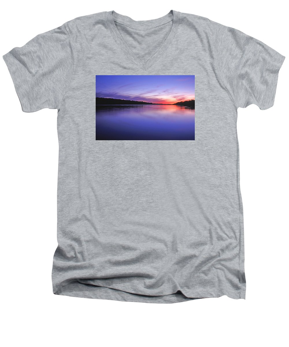 Landscape Men's V-Neck T-Shirt featuring the photograph Manidooziibi by Bill Morgenstern