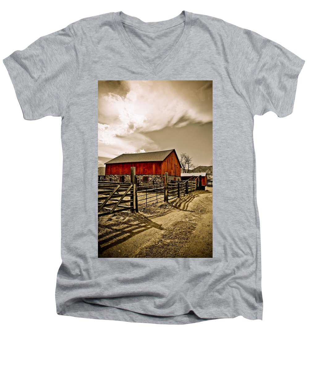 Americana Men's V-Neck T-Shirt featuring the photograph Old Country Farm by Marilyn Hunt