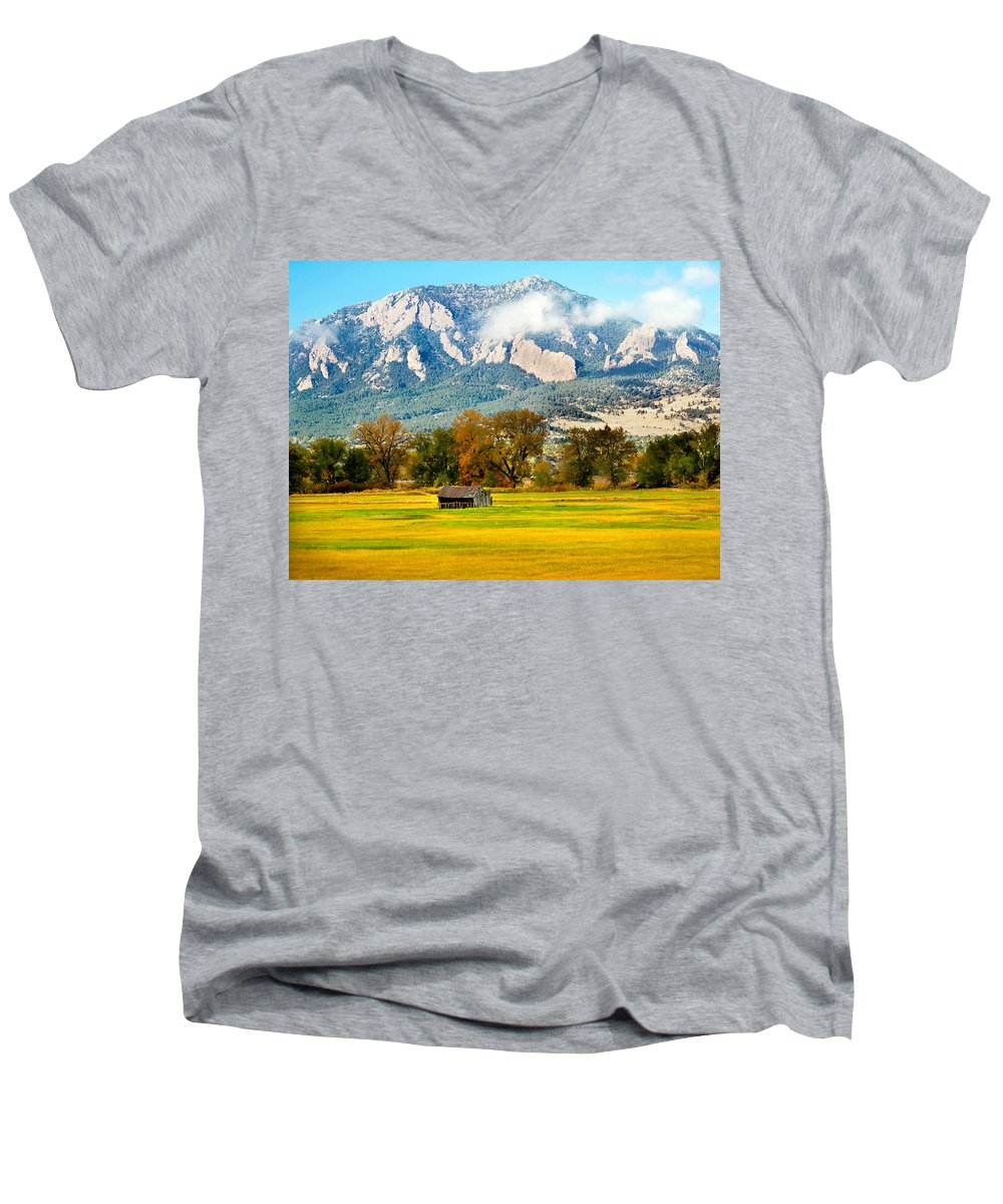 Rural Men's V-Neck T-Shirt featuring the photograph Old Shed by Marilyn Hunt