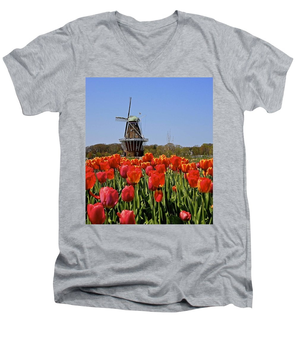 Tulips Men's V-Neck T-Shirt featuring the photograph Two Lips by Robert Pearson